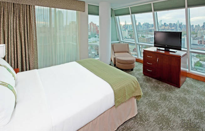 holiday-inn-manhattan-view-zimmer-777279-3