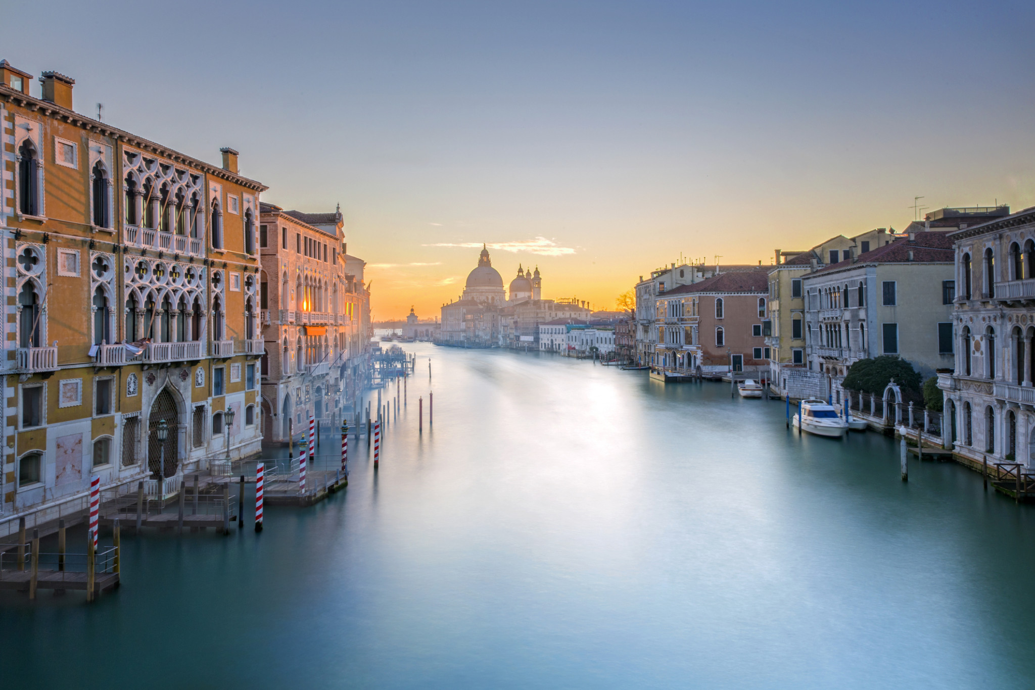 View-from-Accademia-Bridge-on-Grand-Canal-in-Venice-504879858_2123x1416